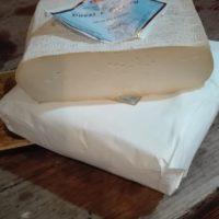 Dozzi e quadru formaggio vaccino da tavola